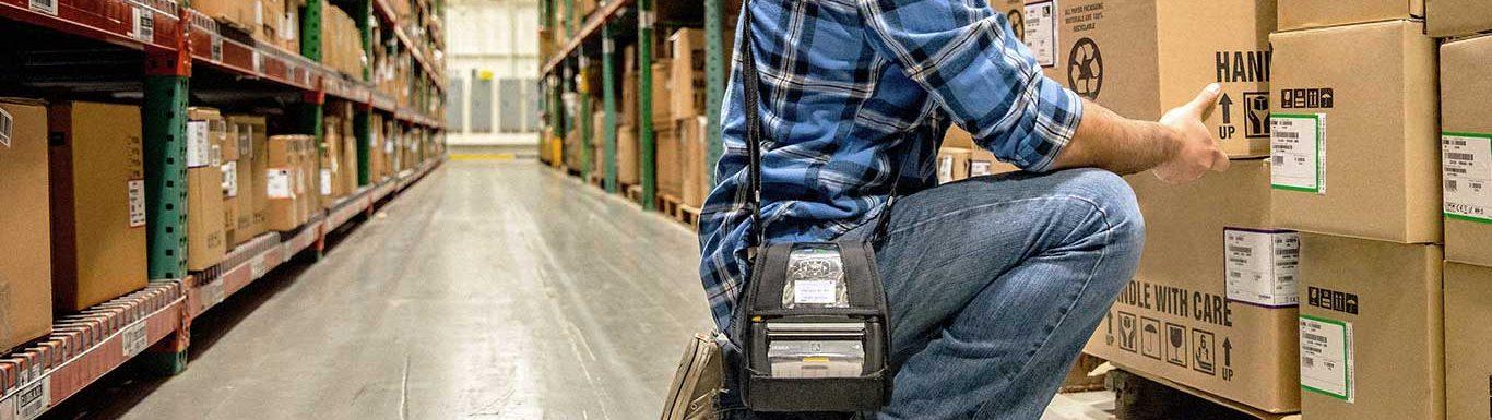 Préparateur de commande équipé d'une imprimante mobile